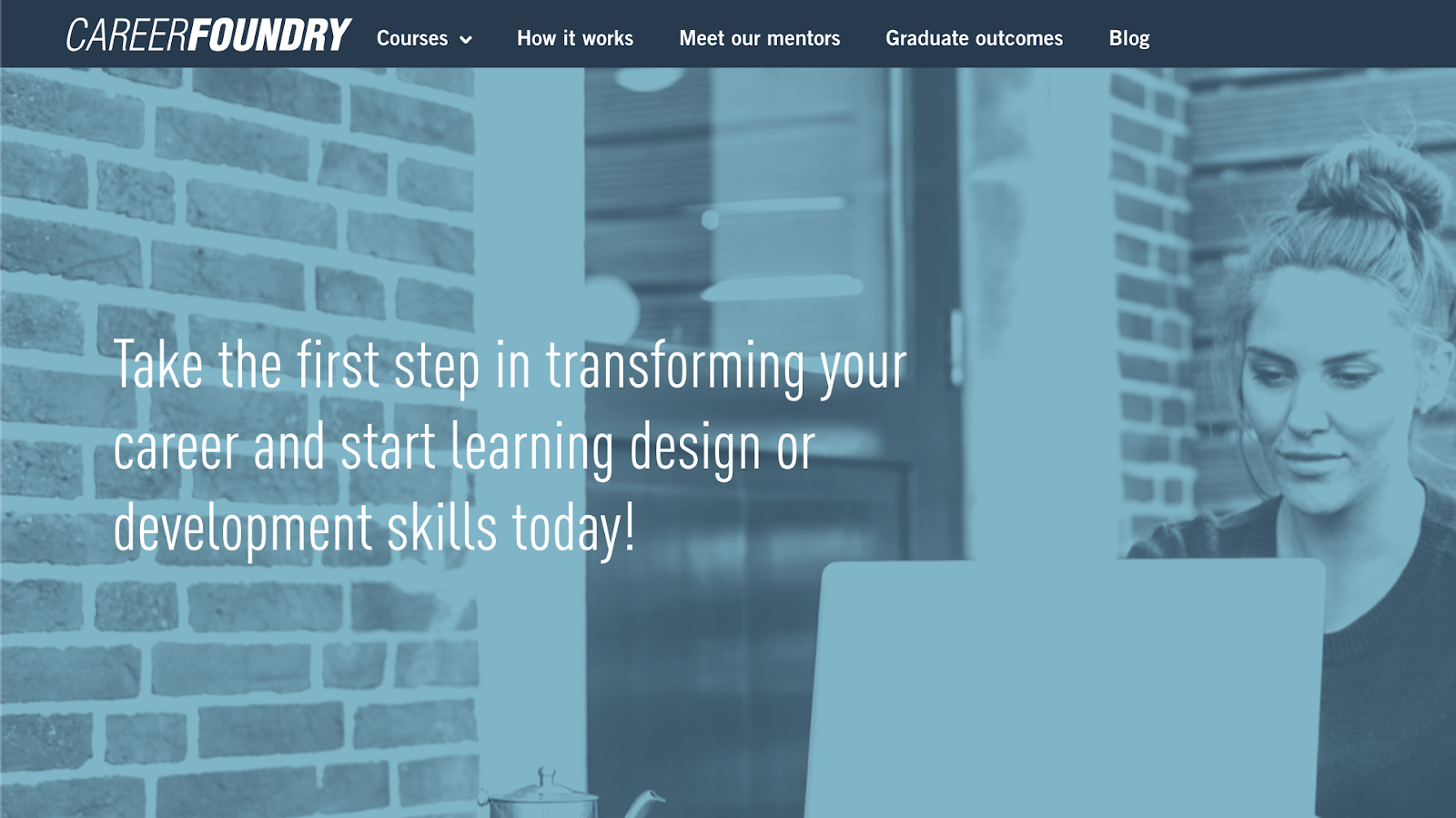 Banner for Careerfoundry's UX Design courses.