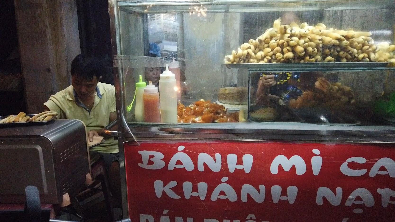 Bánh mỳ cáy Khánh Nạp nổi tiếng đường Hàng Kênh ở Hải Phòng 5