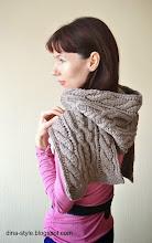 Photo: женский вязаный шарф-капюшон Бронза