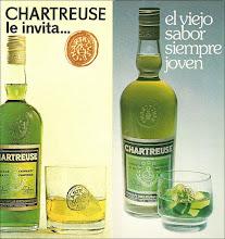 Photo: Deux images tirées de prospectus publicitaires de Tarragone. Product shoots de la liqueur produite en Espagne avec deux modèles de verres différents... Années 1970/80.