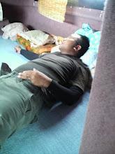 Photo: 朝一からなかなかヒラスが出ず・・・移動中、さぞお疲れですかな?