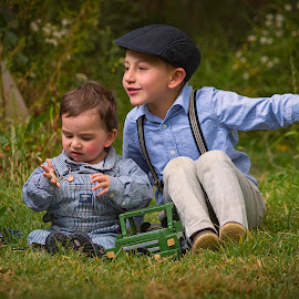 Brothers Time  by Andrius La Rotta Esquivel - Babies & Children Children Candids ( child photography, child portrait, bogota, portrait photographers, photographer, portrait, photography, colombia,  )
