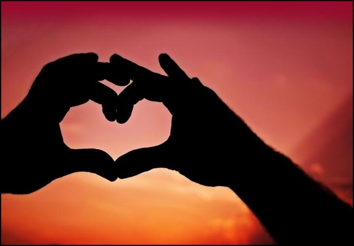 LOVE IS IN THE AIR... di KikkaFlame