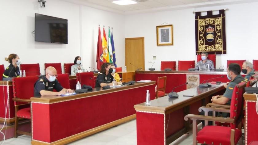 Reunión de seguridad celebrada en el Ayuntamiento de Adra.