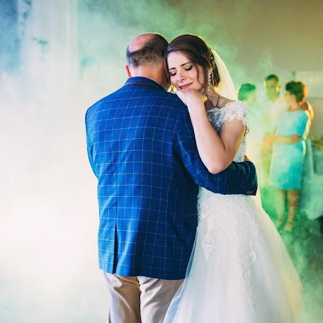 Wedding photographer Oleksandr Valchuk (Valchuk). Photo of 06.01.2018