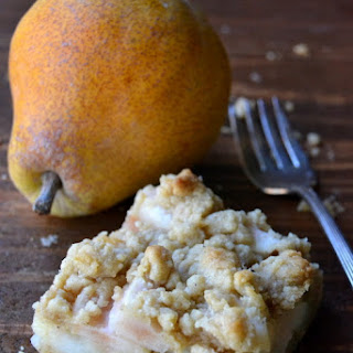 Spiced Pear Crumble Bars