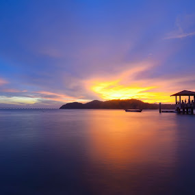 jetty pulau aman 2 by G-en Are Lock Stuck - Landscapes Sunsets & Sunrises ( , golden hour, sunset, sunrise )