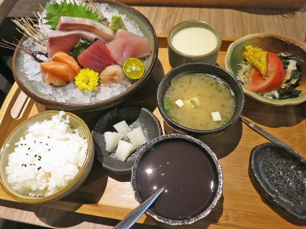 魚本味日本料理