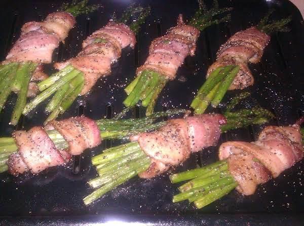 Bacon-wrapped Asparagus Bundles