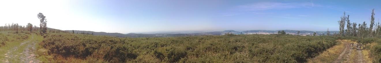 Photo: Otra vista panorámica desde el monte de Marranxón