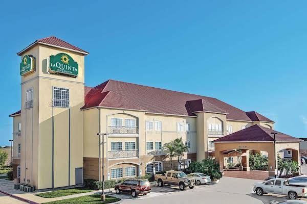 La Quinta Inn & Suites by Wyndham Mercedes
