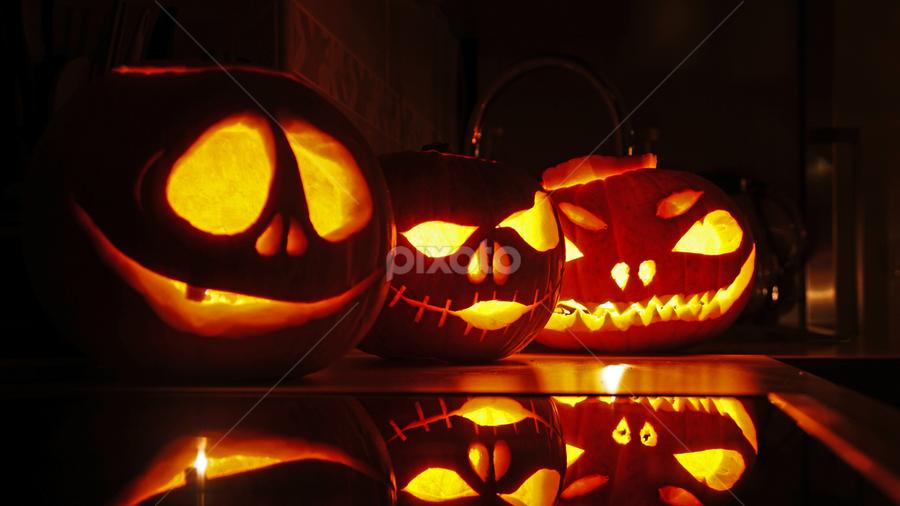 by Rytis Sapezinskas - Public Holidays Halloween ( pumpkin, 2015, carving )