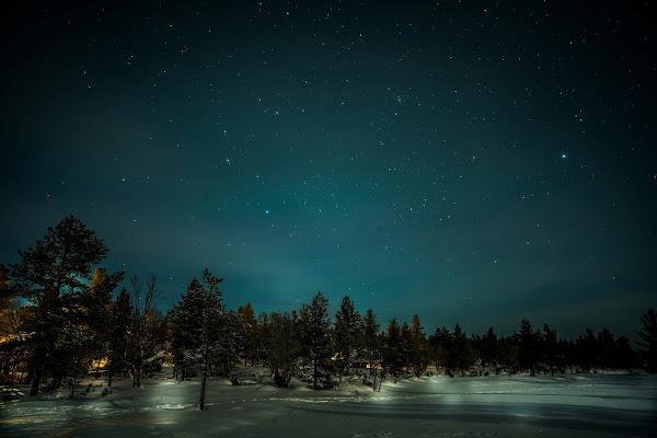 Luci della sera nell'inverno finlandese di Aresred
