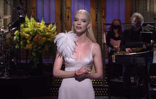 'SNL': Anya Taylor-Joy pokes fun at chess craze sparked by 'The Queen's Gambit'