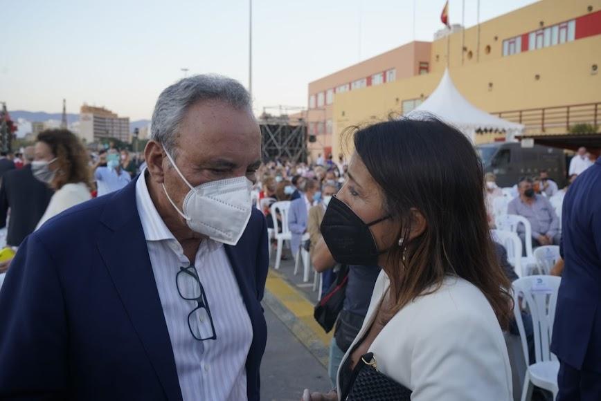 Francisco Martínez Cosentino habla con Marta Bosquet.