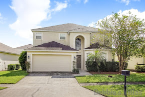 Orlando villa, close to Disney, popular golfing community, southeast-facing private pool, games room