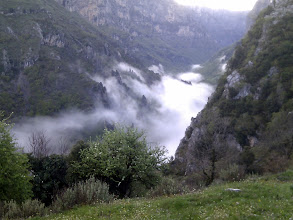 Photo: 8 am, we're off to Vikos gorge. The trail is deep down below the mist