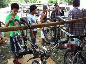 Photo: ALS Students learning mechanics