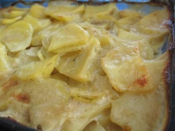Mum's Scalloped Potatoes