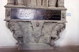 Photo: Grabmal des Bamberger Fürstbischofs Veit II. v. Würzburg in der Bamberger St.-Michaels-Kirche. Detail