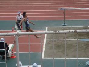 Photo: こちらもぶれましたが東さんの幅跳びです。