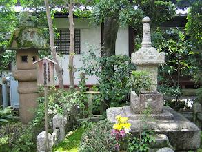 Photo: 次に 木曾義仲公墓 by FM