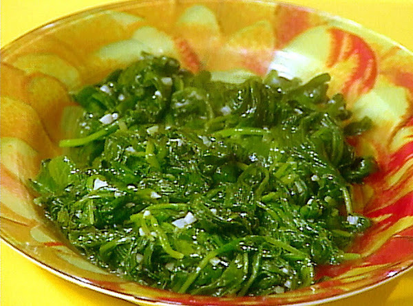 Wilted Spinach With Garlic And Oil Rachel Ray Recipe