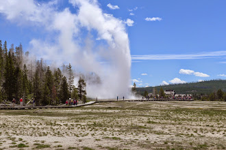 Photo: Grand Fountain Geyser