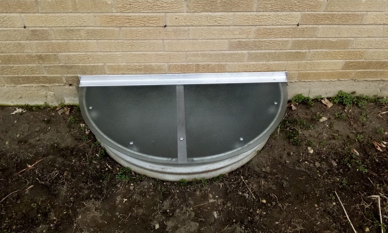 Palos Hills, IL-HandyManny Custom Window Well Covers