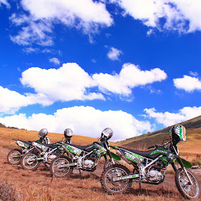 crossing sea sand bromo by Bobby Dozan - Novices Only Landscapes ( hill, mountain, sea sand, tourism, travel, clear sky, sky, blue sky, motocross, indonesia, morning sky, trail, cloud, motorcycle, trip, bromo )
