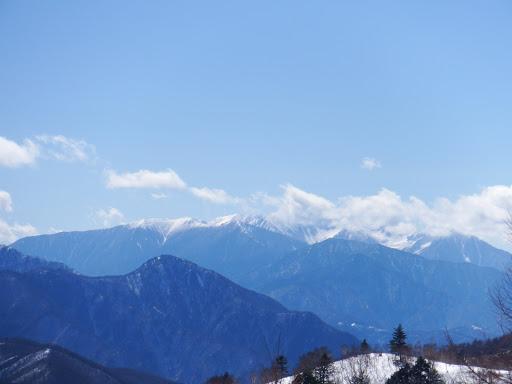 中央アルプス(左に坊主山)