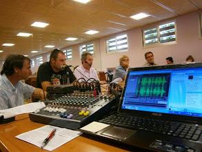 Photo: Los Bandidos de la Hoya durante la grabación de uno de los programas.