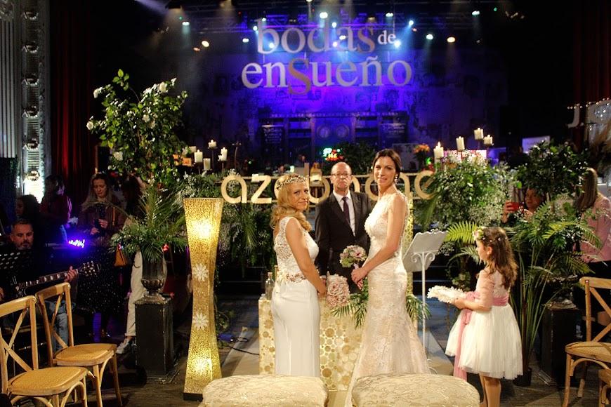 Bodas de Ensueño acogió la boda de Esther y Carmen y enlace realizado por Kikín Fernández.