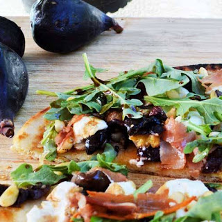 Easy Grilled Fig, Prosciutto, and Goat Cheese Naan Flatbread