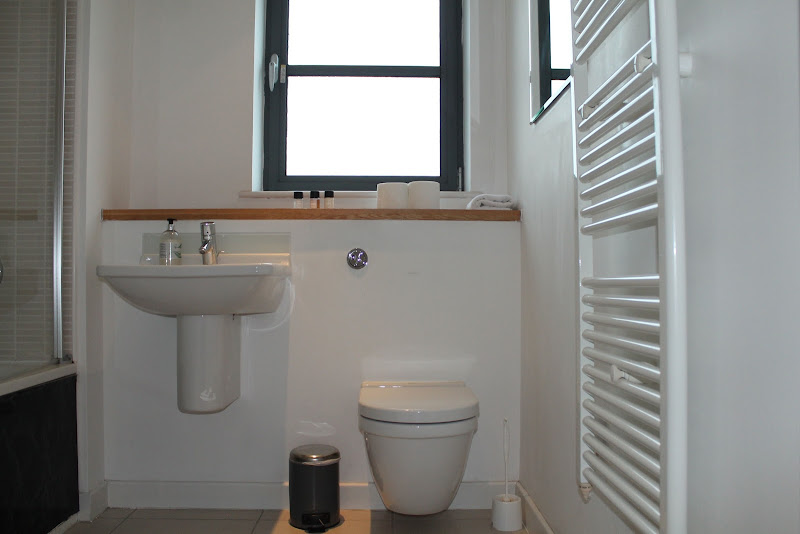 bathroom at city reach rental apartment