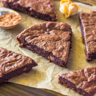 4 Ingredient Fudge Protein Brownies (Vegan, Gluten-free, Paleo).