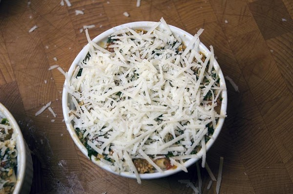 Sprinkle a tablespoon of the reserved  Pecorino Romano on the top of each...