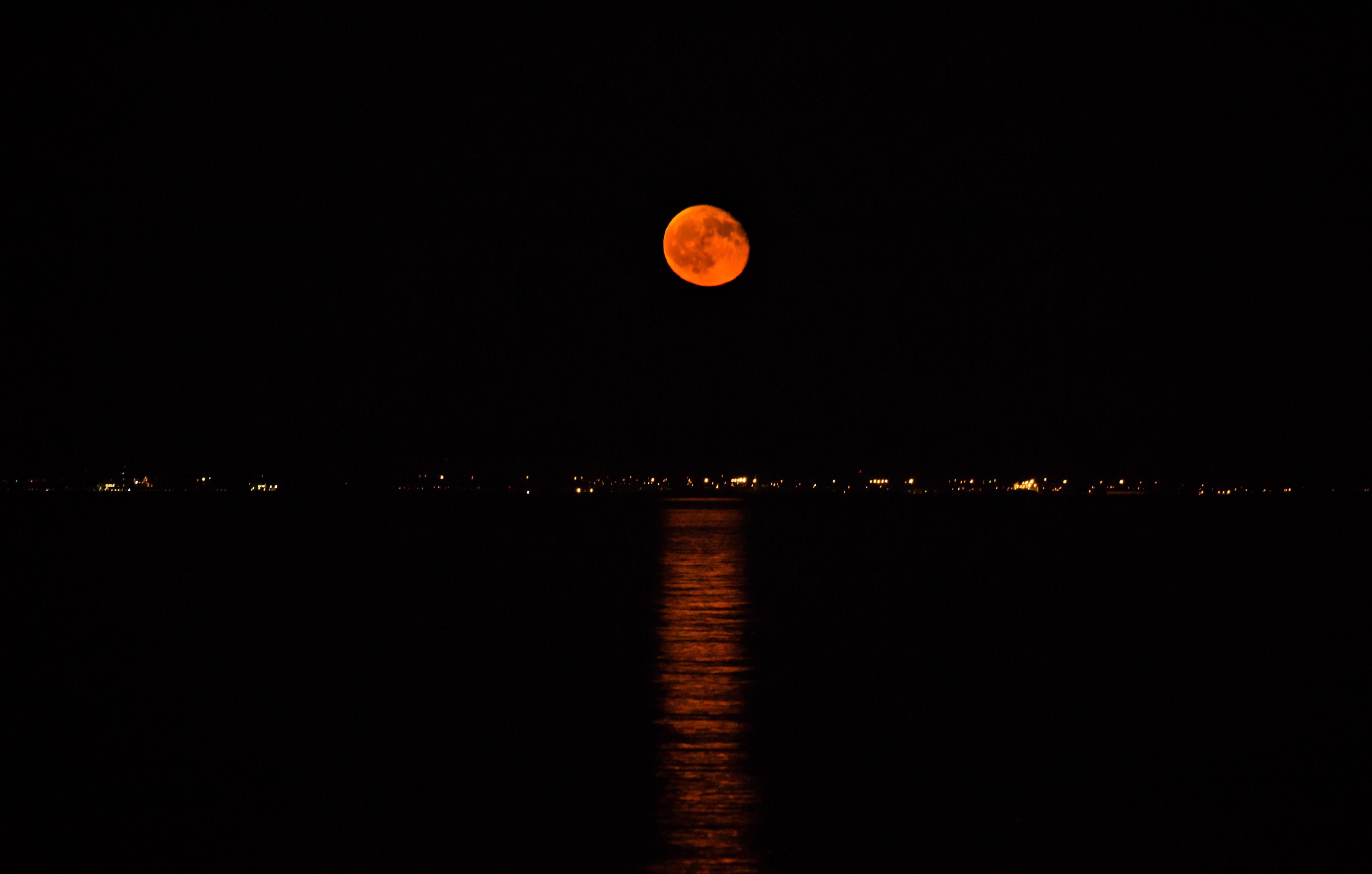 Al chiaro di luna  di ermix97