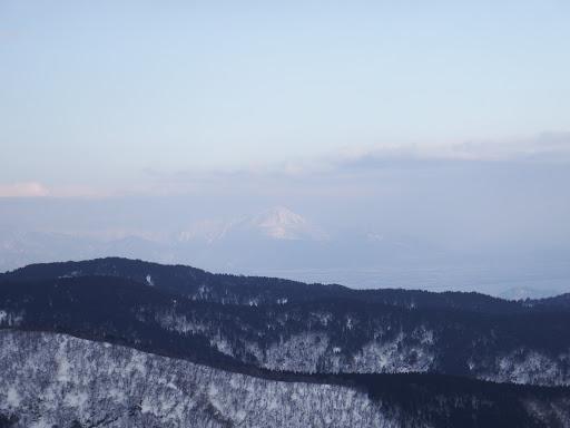 812mピークから伊吹山