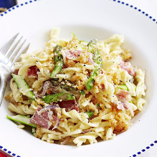 Pasta with Prosciutto, Asparagus and Crumb Topping