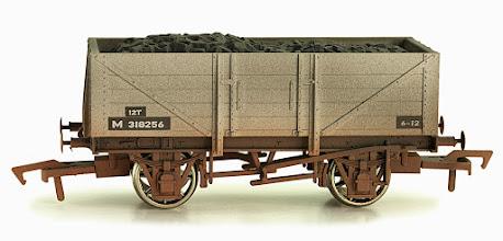 Photo: 4F-051-016  5 Plank Wagon