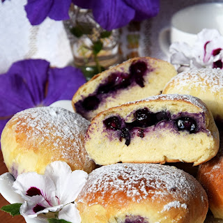 Blueberry Buns – Simply The Best