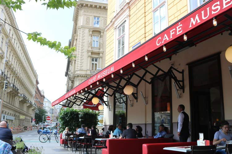 Café Museum, one of Vienna's wonderful cafés.