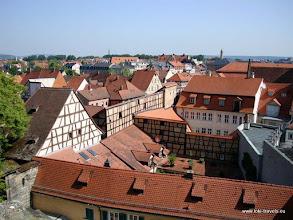 Photo: Bamberg. Domplatz. Uitzicht vanaf de rozentuin van de Neuen Residenz.