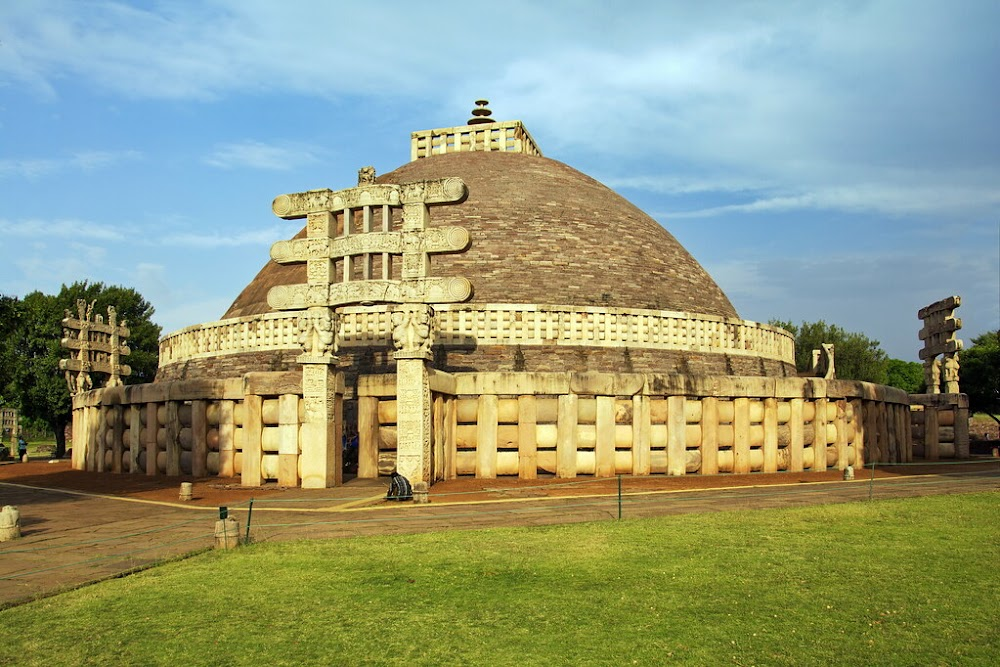 top-historical-places-india-sanchi-stupa