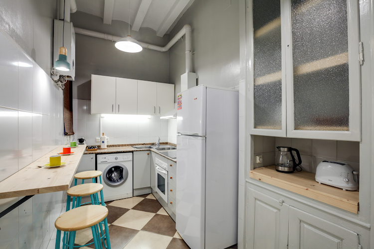 Fully equipped kitchen at Eixample Dreta II