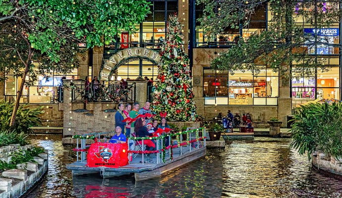 San Antonio Riverwalk Christmas.10 Holiday Events In San Antonio You Can T Miss In 2018