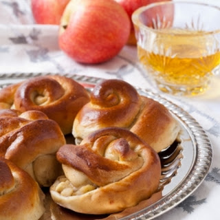 Apple and Honey Challah Rolls