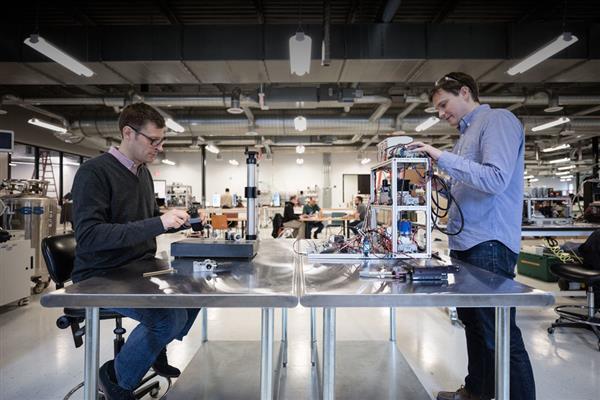 Google, BMW, Lowe`s инвестируют $ 45M в запуск 3D принтера Desktop Metal