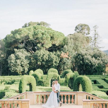 Wedding photographer Olya Kobruseva (LeelooTheFirst). Photo of 17.12.2017